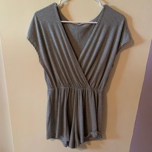 Urban Outfitters Ecóte Gray Romper-Md